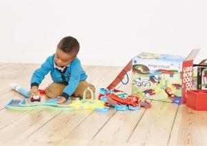Juhuu, die neue Spielzeugkiste ist da!